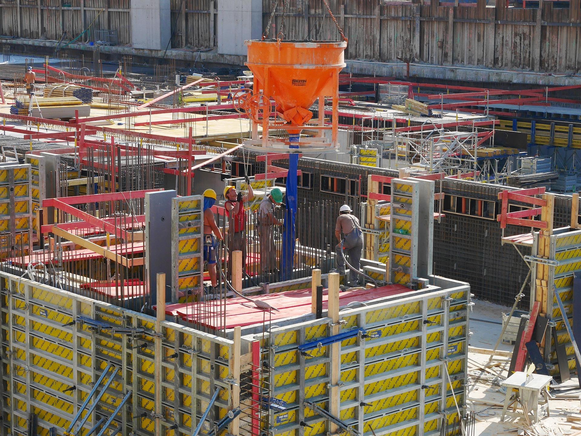 Ouvriers sur un chantier de construction