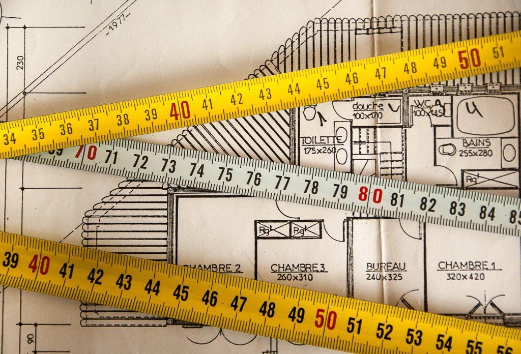 Mètres sur un plan de construction