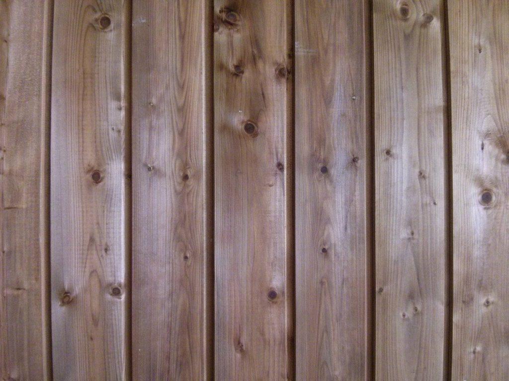 bardage en bois massif