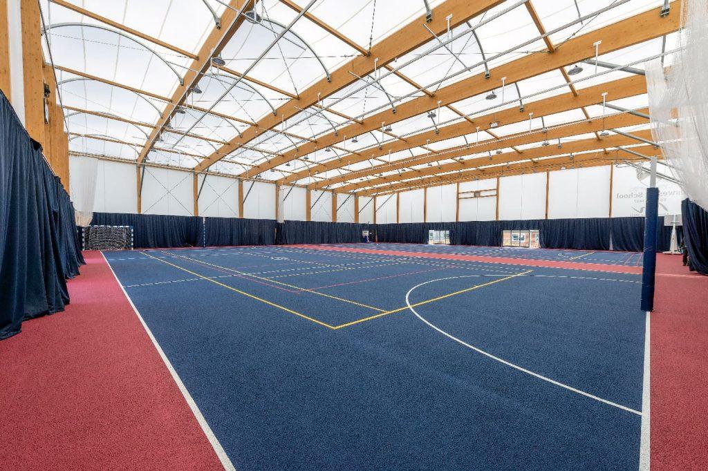 salle de sport avec couverture textile