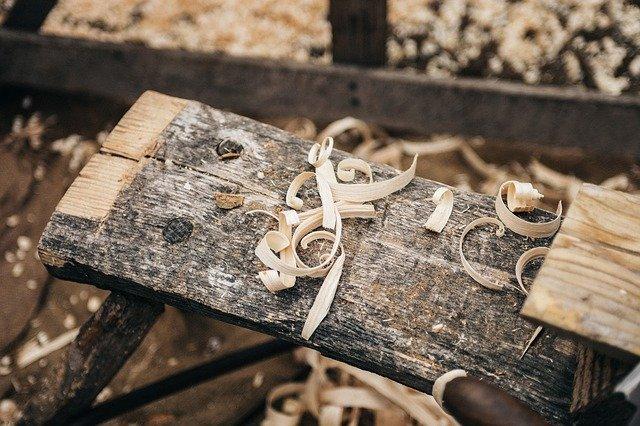 intervention menuiserie, planche en bois